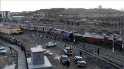 Ankara'da Boş Tren Raydan Çıktı