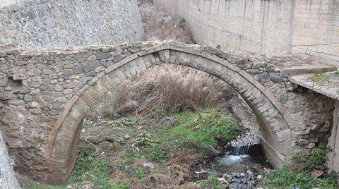 Tarihi Kemer Köprüye Restorasyon ve Koruma Talebi