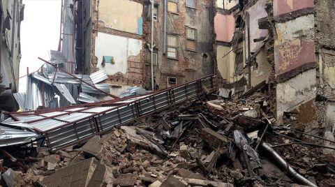 Beyoğlu'nda Metruk Bina Yıkıldı