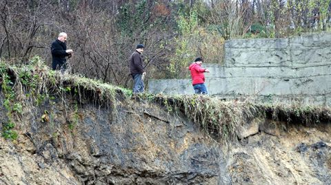 Zonguldak'ta 3 Evin Boşaltıldığı Heyelan Bölgesinde İnceleme Sürüyor