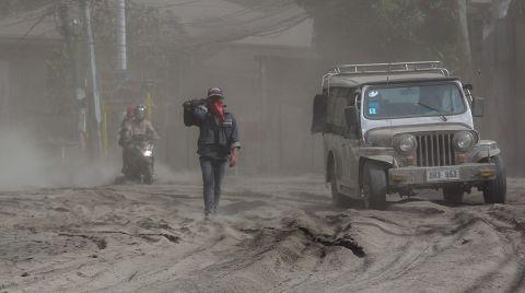 Yanardağ Patlamasının Ardından 82 Bin Kişi Tahliye Edildi