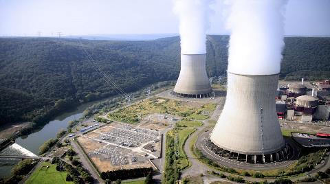 """Bakan Dönmez: """"Nükleer Santrali Başka Tedarikçi ile Yapabiliriz"""""""
