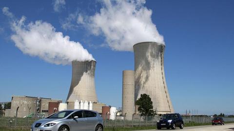Fransa 2035'e Kadar 14 Nükleer Santralini Kapatacak