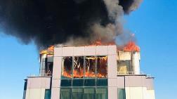 Antalya'da İş Merkezinde Yangın