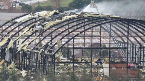 Maltepe Üniversitesi Kapalı Spor Salonu Çatısında Yangın