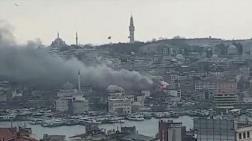 Eminönü'nde Çatı Yangını