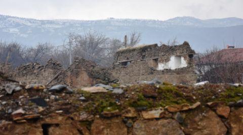 6.8'lik Depremde Kemal Sunal'ın Doğduğu Ev de Yıkıldı