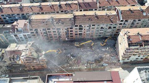 İstanbul'daki Tehlikeli Binaların Yıkımına Başlandı