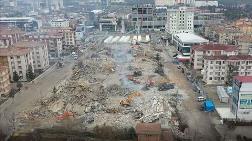 Elazığ'da Enkaz Kaldırma Çalışmaları Sürüyor