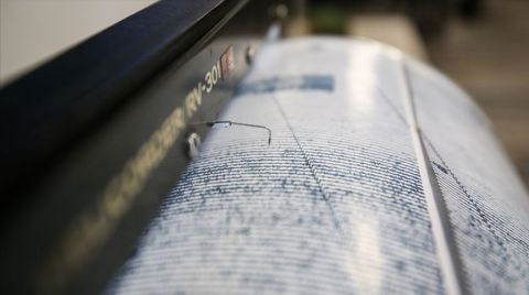 Manisa'da 4,3 ve 4,8 Büyüklüğünde İki Deprem