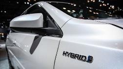 İngiltere'de Fosil Yakıtlı Araçların Satış Yasağı 2035'e Çekildi