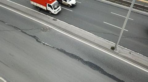 İstanbul'da Çatlayan Yol Kapatıldı