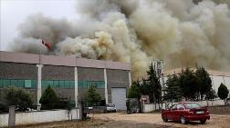 Manisa'da Plastik Fabrikasında Çıkan Yangın Söndürüldü