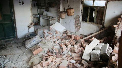 Manisa'da 305 Ağır Hasarlı Yapı Tespit Edildi