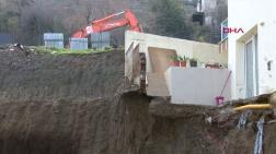 Manisa'da Temel Kazısından Zarar Gören 2 Bina Tahliye Edildi