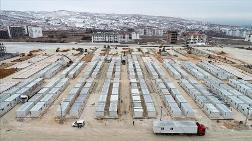 Elazığ'da Enkaz Kaldırma ve Konteyner Kent Çalışmaları Sürüyor