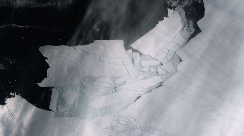 Antartika'da Malta Büyüklüğünde Buzul Yok Oldu