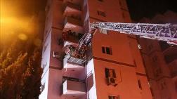 İzmir'de Çıkan Yangında 11 Katlı Bina Boşaltıldı
