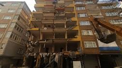 Bahçelievler'de 43 Yıllık Ağır Hasarlı Bina Yıkılıyor
