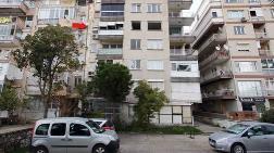 İzmir'de Yan Yatan Bina Boşaltıldı