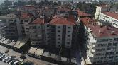 İzmir'de, Boşaltılan Eğik Binalar Yıkılmayı Bekliyor