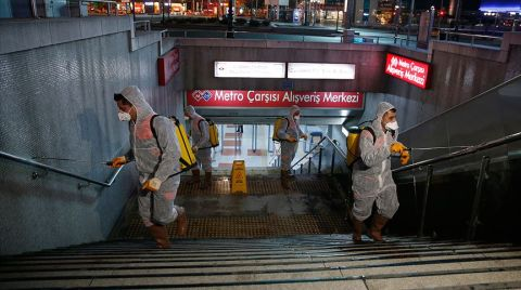 """Başkentte Metro ve Ankaray İstasyonlarında """"Virüs"""" Temizliği"""