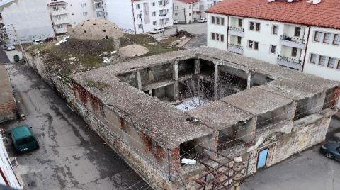 116 Yıllık Tarihi Hamam Tehlike Saçıyor
