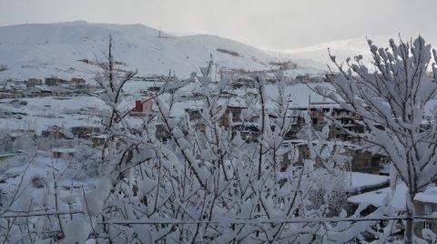 Hakkari'de 88 Yerleşim Yeri Ulaşıma Kapandı