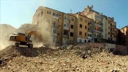 Elazığ'da Depremde Hasar Gören Bin 159 Yapı Yıkıldı