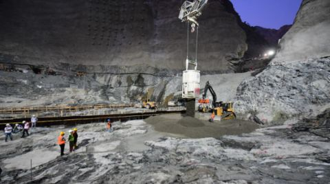 Yusufeli Barajı'nın Yüzde 76'sı Tamamlandı
