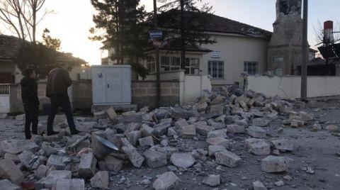 Konya'da Fırtına Minareleri Devirdi, Çatıları Uçurdu