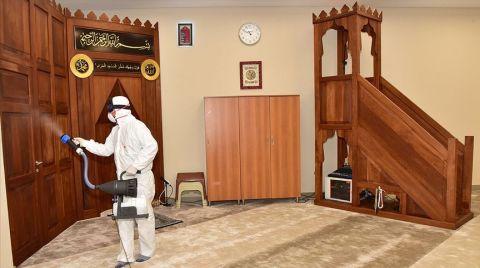 İBB Hizmet Binaları ve İbadethaneleri Dezenfekte Ediyor
