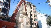 Esenlerde Ağır Hasarlı 7 Katlı Bina Yıkıldı