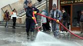 Bitlis'te Caddeler, Van Gölü'nün Sodalı Suyuyla Dezenfekte Ediliyor