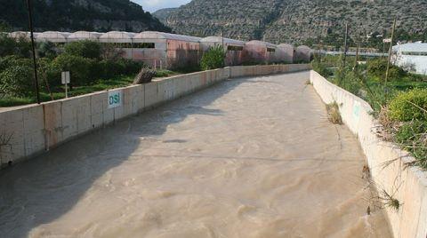 Limonlu Deresi Taştı, 2 Bin Dönümlük Arazi Su Altında Kaldı