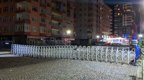 Rize'de Yıkılma Riski Taşıyan Bina Tahliye Edildi