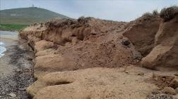 Bozcaada'da Bin 500 Yıllık Kiremit Mezar Bulundu