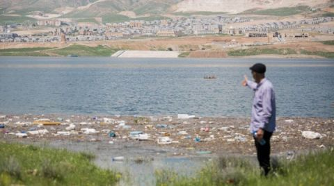 Hasankeyf Sulara Gömüldü, Çöpler Su Yüzüne Çıktı