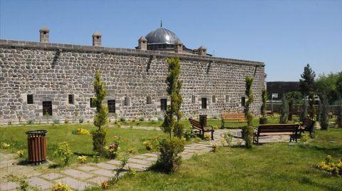 Sur'da 20 Tarihi Eser Yeniden Ayağa Kaldırıldı