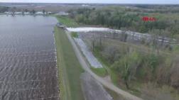 ABD'de Baraj Çöktü, 50 Otoyol Kapandı