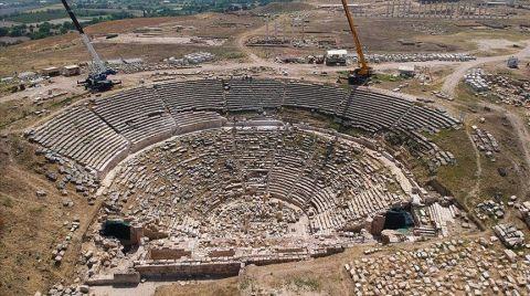 Laodikya Tiyatrosu Ziyaretçilerini Ağırlamaya Hazırlanıyor