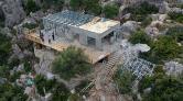 Kaçak Villa, Sahibi Tarafından Sökülüyor