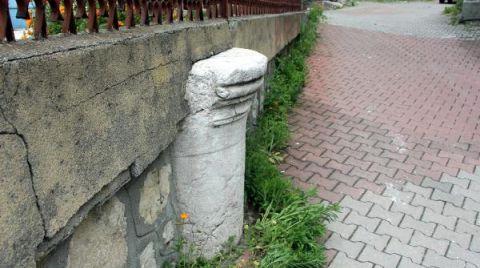 Roma Sütunu, Bahçe Duvarında Kullanıldı
