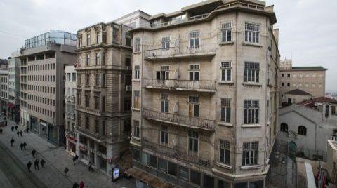 İş Bankası'nın Tarihi Binasında Restorasyon Başlıyor
