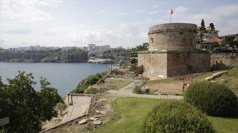 Hıdırlık Kulesi Çevresinde Arkeolojik Kazı Başlatıldı