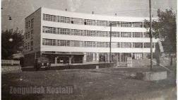 Cumhuriyet'in Köklü Okulu'nun Yıkımına Tepkiler Sürüyor