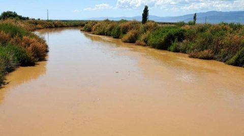 Burhaniye'de Kanalizasyon Denize Akıyor