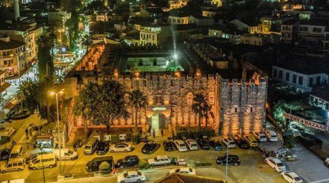 Kuşadası'nda 402 Yıllık Kervansaray Aydınlatıldı