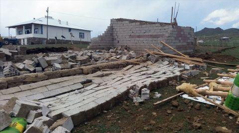 Hakkari'de Fırtınadan Zarar Görenlere Destek