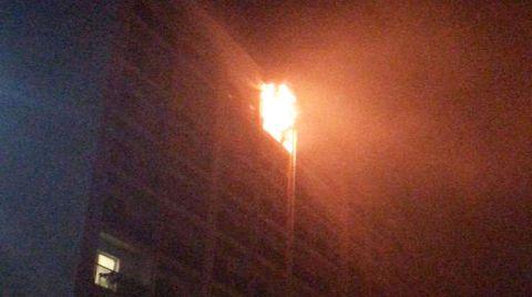 Esenyurt'ta 12 Katlı Binada Yangın